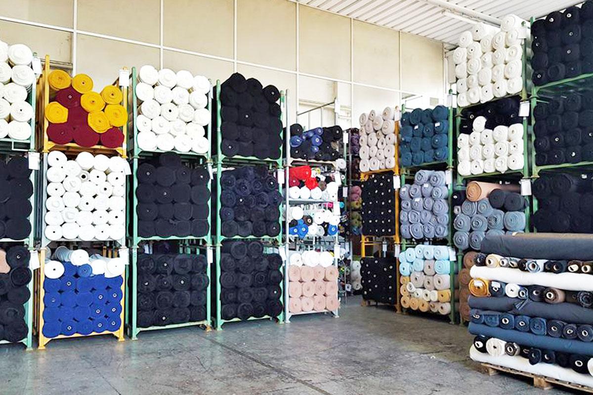 Tessuti stock per abbigliamento